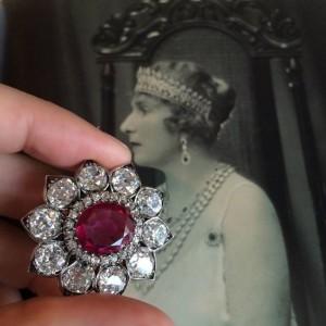queen/ ruby brooch/Spanish queen/queen victoria