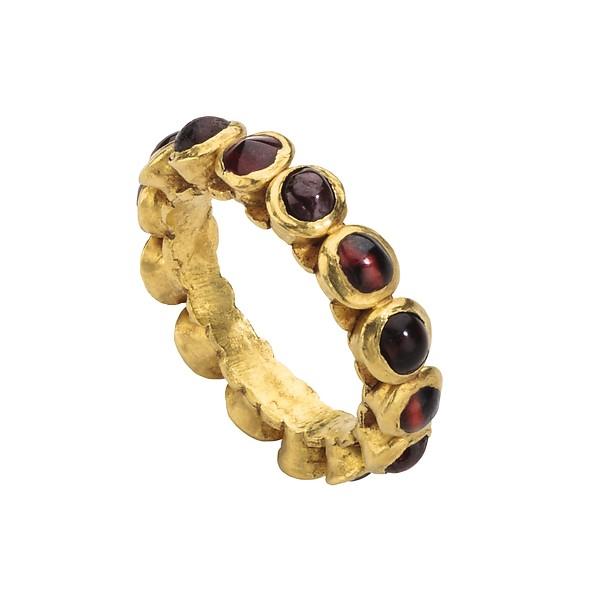 4th century Roman gold and garnet ring MET