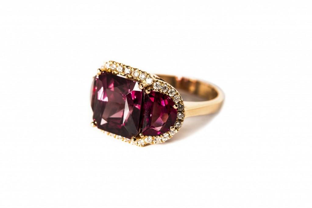 Magic Times Color Change Garnet Diamond Ring
