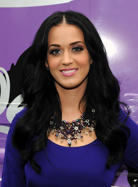 Katy Perry wearing amazing amethyst necklace