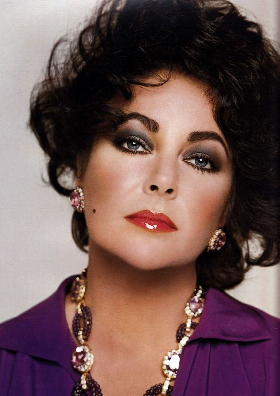 elizabeth taylor amethyst earrings and necklace