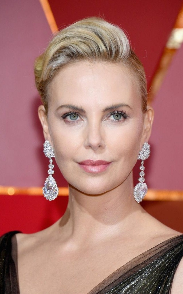 Charlize Theron statement earrings Oscars 2017