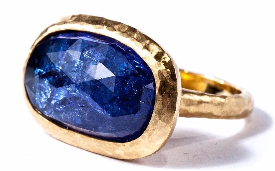 Gemme Couture jewelry – Gold Ring with tanzanite
