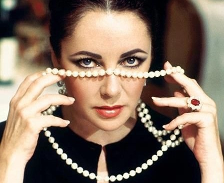 "Elizabeth Taylor with ruby jewelry: ""the most perfect ruby in the world"""