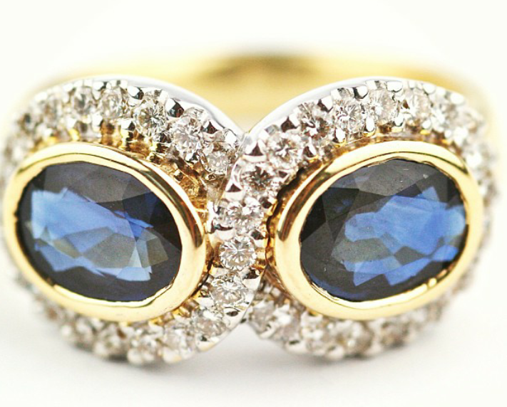 Gemme Couture Blue sapphire gold and diamonds ring