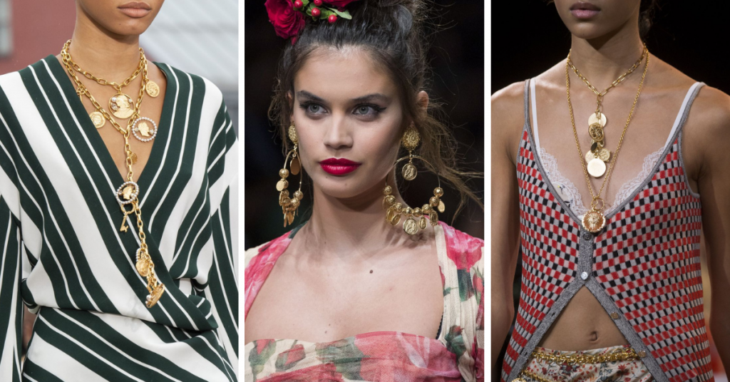 Jewelry Trends 2019: Medallions and coins: Oscar Della Renta, Dolce & Gabbana Paco Rabanne