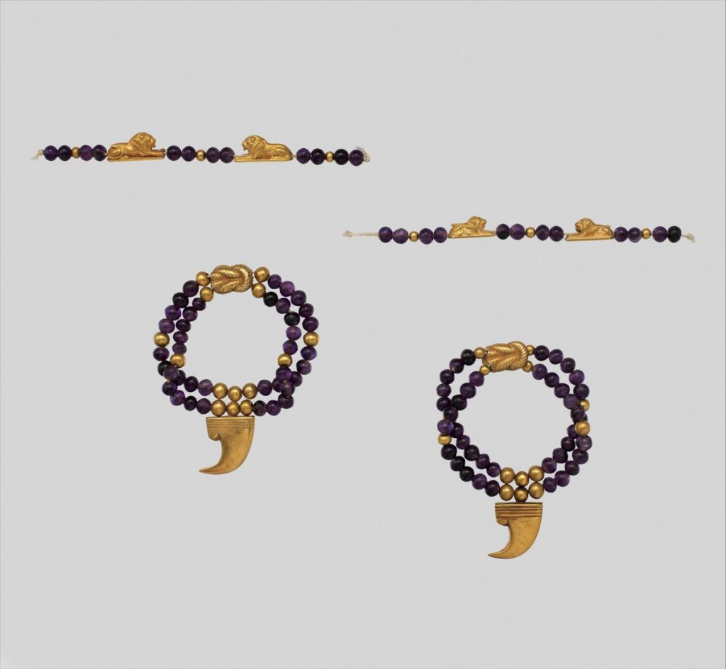 Ancient Egyptian Jewelry: Claw Anklet of Sithathoryunet