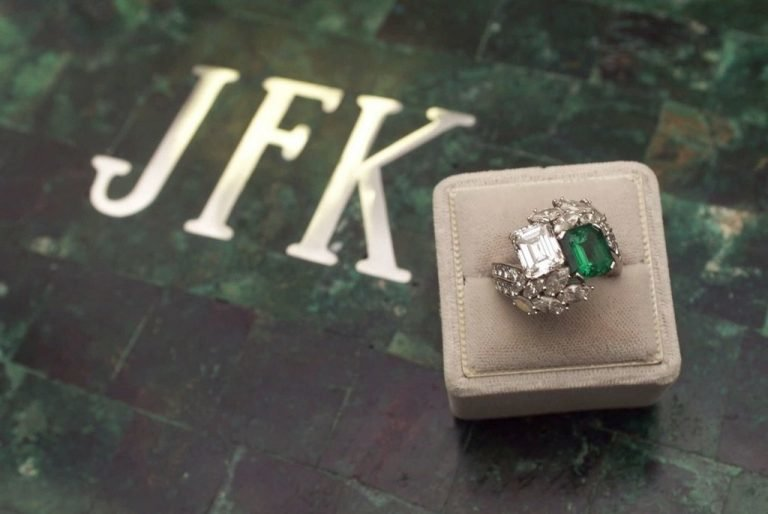 Jacqueline Kennedy's engagement ring after the surrounding stones were re-cut and set. Colored gemstone engagement rings