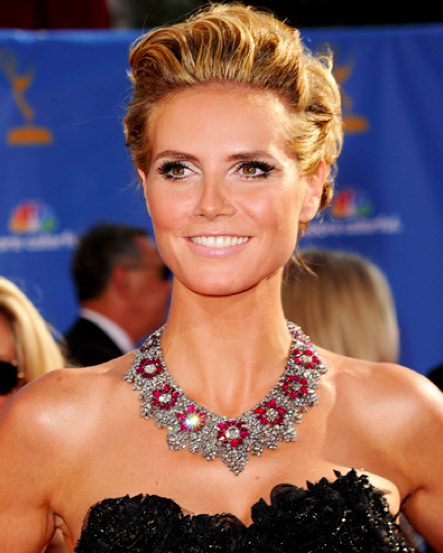 Heidi Klum, Project Runway host, who is known for her bold jewelry choices, walked the red carpet in a lavishing 3-million-dollar diamond and ruby necklace.