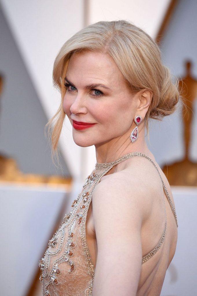 Nicole Kidman in Harry Winston Spinel earrings at 2017 Oscars